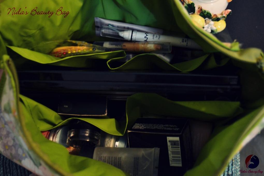 my-vacation-makeup-bag-3
