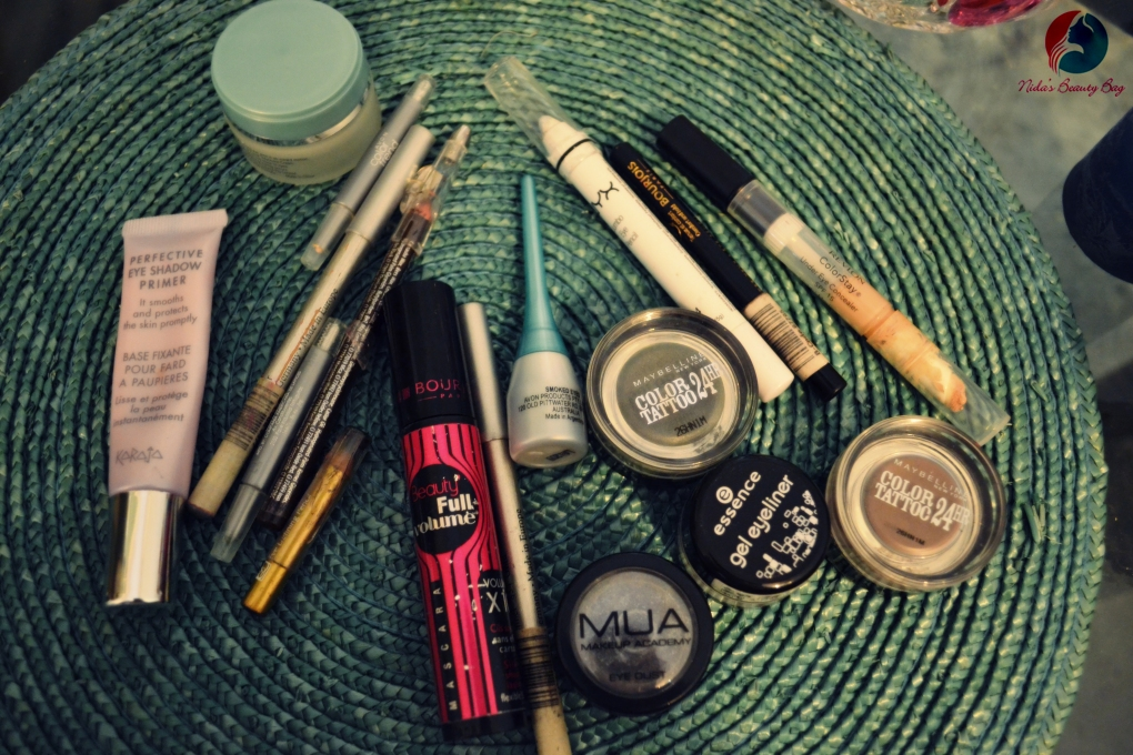 my-vacation-makeup-bag-6
