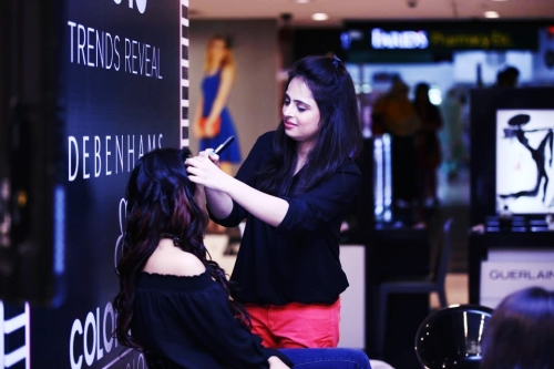 Live Demo by Head Makeup Artist Sobia.