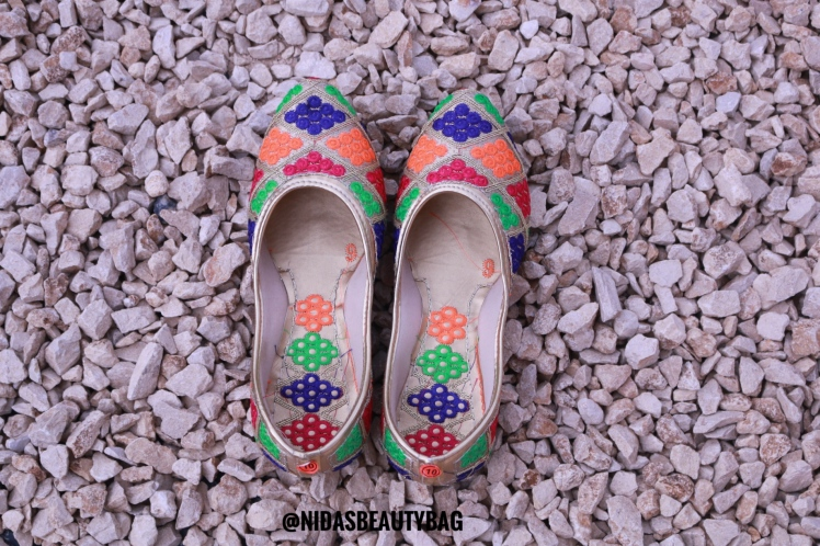 Let's bring some color to your feet